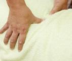 ぎっくり腰の治療の様子